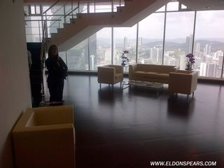 Photo 2: Global Bank Tower Office Space for sale