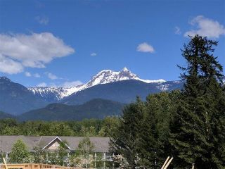 """Photo 4: 19 39769 GOVERNMENT Road in Squamish: Northyards Townhouse for sale in """"The Breeze"""" : MLS®# R2538394"""
