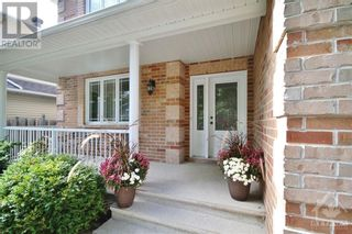 Photo 2: 52 OLDE TOWNE AVENUE in Russell: House for sale : MLS®# 1264483