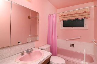 Photo 24: 6937 LEASIDE Drive SW in Calgary: Lakeview Detached for sale : MLS®# C4225645