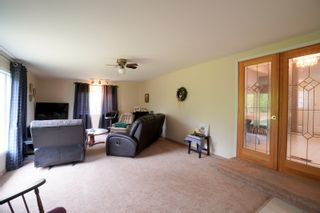 Photo 16: 12 King Crescent in Portage la Prairie RM: House for sale : MLS®# 202112403