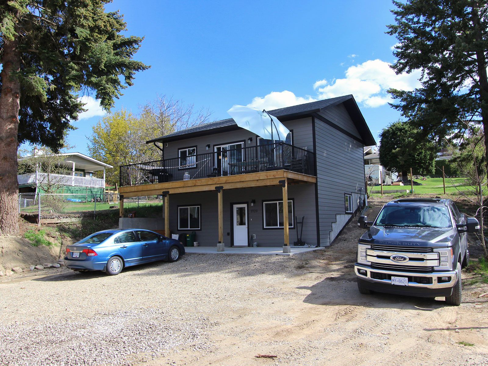 Photo 2: Photos: 1920 SE Okanagan Avenue in Salmon Arm: South East Salmon Arm House for sale : MLS®# 10204567