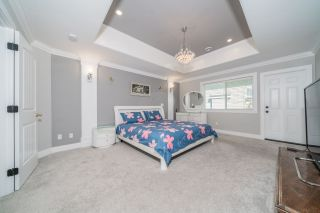 Photo 25: 6078 181A Street in Surrey: Cloverdale BC House for sale (Cloverdale)  : MLS®# R2492359