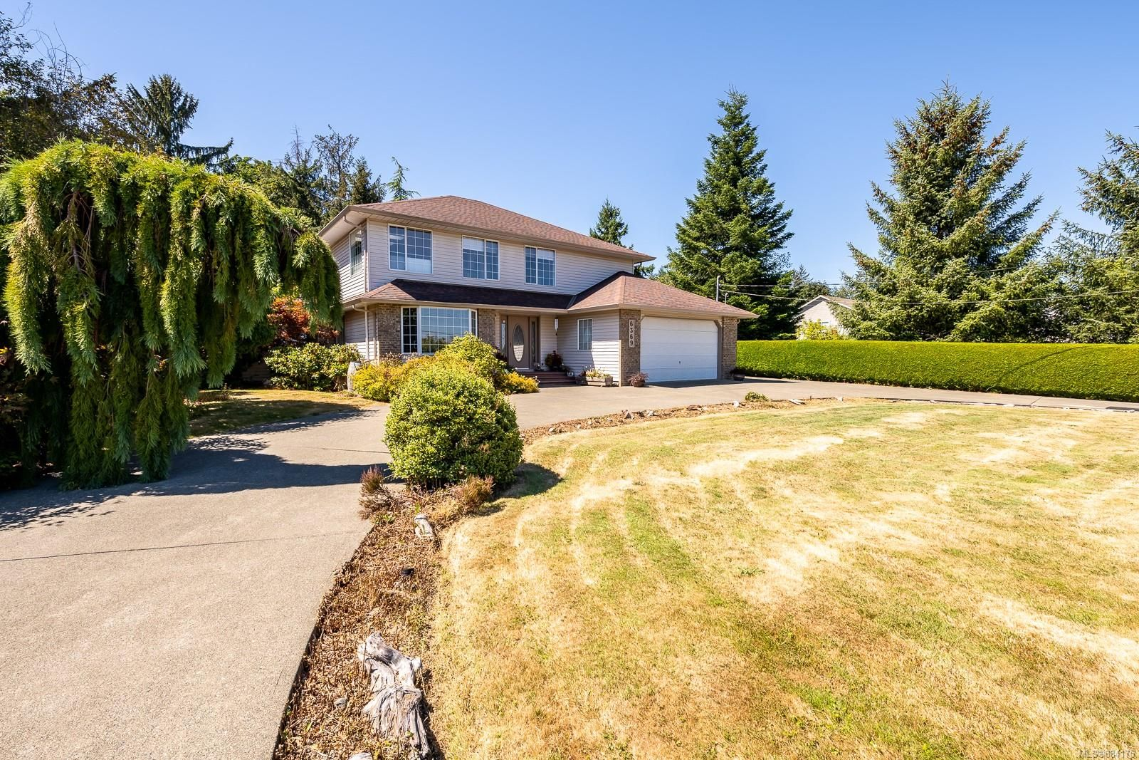 Main Photo: 6369 Eagles Dr in : CV Courtenay North House for sale (Comox Valley)  : MLS®# 884175