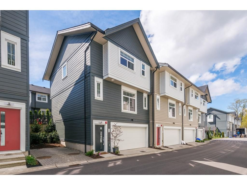 """Main Photo: 76 7665 209 Street in Langley: Willoughby Heights Townhouse for sale in """"Archstone"""" : MLS®# R2359787"""