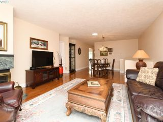 Photo 9: 5 901 Kentwood Lane in VICTORIA: SE Broadmead Row/Townhouse for sale (Saanich East)  : MLS®# 825659
