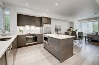 Photo 3: 303 1818 14A Street SW in Calgary: Bankview Row/Townhouse for sale : MLS®# C4303563