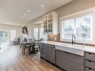 Photo 6: 906 Fairways Dr in : PQ Qualicum Beach House for sale (Parksville/Qualicum)  : MLS®# 860008