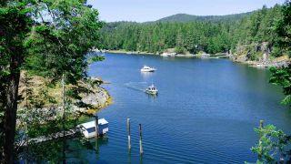 "Photo 6: 9854 WESCAN Road in Halfmoon Bay: Halfmn Bay Secret Cv Redroofs House for sale in ""Secret Cove"" (Sunshine Coast)  : MLS®# R2528876"
