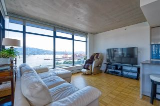 """Photo 10: 2310 128 W CORDOVA Street in Vancouver: Downtown VW Condo for sale in """"WOODWARD W43"""" (Vancouver West)  : MLS®# R2567403"""