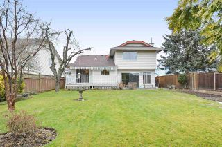 """Photo 19: 16170 8A Avenue in Surrey: King George Corridor House for sale in """"MCNALLY CREEK"""" (South Surrey White Rock)  : MLS®# R2343251"""