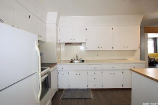 Photo 8: 431 X Avenue South in Saskatoon: Meadowgreen Residential for sale : MLS®# SK872070