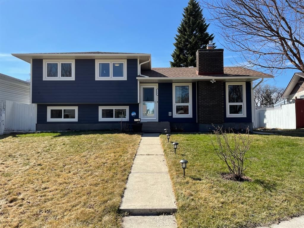 Main Photo: 119 WHITEVIEW Place NE in Calgary: Whitehorn Detached for sale : MLS®# A1097509