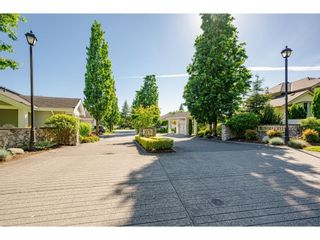 """Photo 4: 27 20770 97B Avenue in Langley: Walnut Grove Townhouse for sale in """"Munday Creek"""" : MLS®# R2594438"""