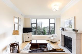 """Photo 4: 302 540 WATERS EDGE Crescent in West Vancouver: Park Royal Condo for sale in """"Waters Edge"""" : MLS®# R2478533"""