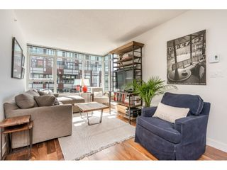 """Photo 2: 908 251 E 7TH Avenue in Vancouver: Mount Pleasant VE Condo for sale in """"District"""" (Vancouver East)  : MLS®# R2465561"""