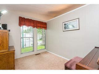 """Photo 15: 74 9080 198 Street in Langley: Walnut Grove Manufactured Home for sale in """"Forest Green Estates"""" : MLS®# R2457126"""