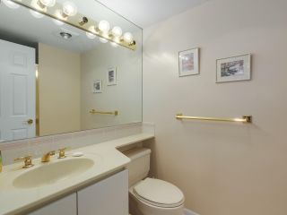 """Photo 13: 302 5425 YEW Street in Vancouver: Kerrisdale Condo for sale in """"The Belmont"""" (Vancouver West)  : MLS®# R2337022"""