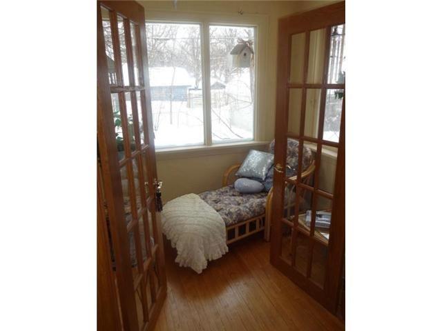 Photo 7: Photos: 270 Beaverbrook Street in WINNIPEG: River Heights / Tuxedo / Linden Woods Residential for sale (South Winnipeg)  : MLS®# 1301661