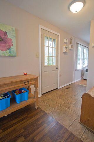 Photo 5: 19 Coronation Avenue: Sackville House for sale : MLS®# M107267