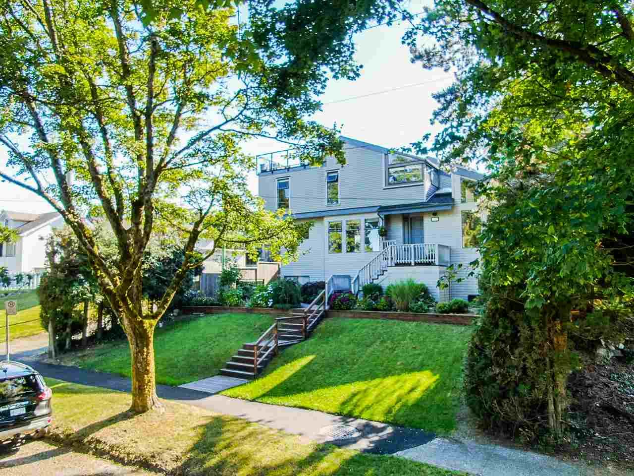 """Main Photo: 150 KOOTENAY Street in Vancouver: Hastings Sunrise House for sale in """"VANCOUVER HEIGHTS"""" (Vancouver East)  : MLS®# R2480770"""