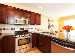 """Photo 7: 44 6555 192A Street in Surrey: Clayton Townhouse for sale in """"The Carlisle"""" (Cloverdale)  : MLS®# R2037162"""