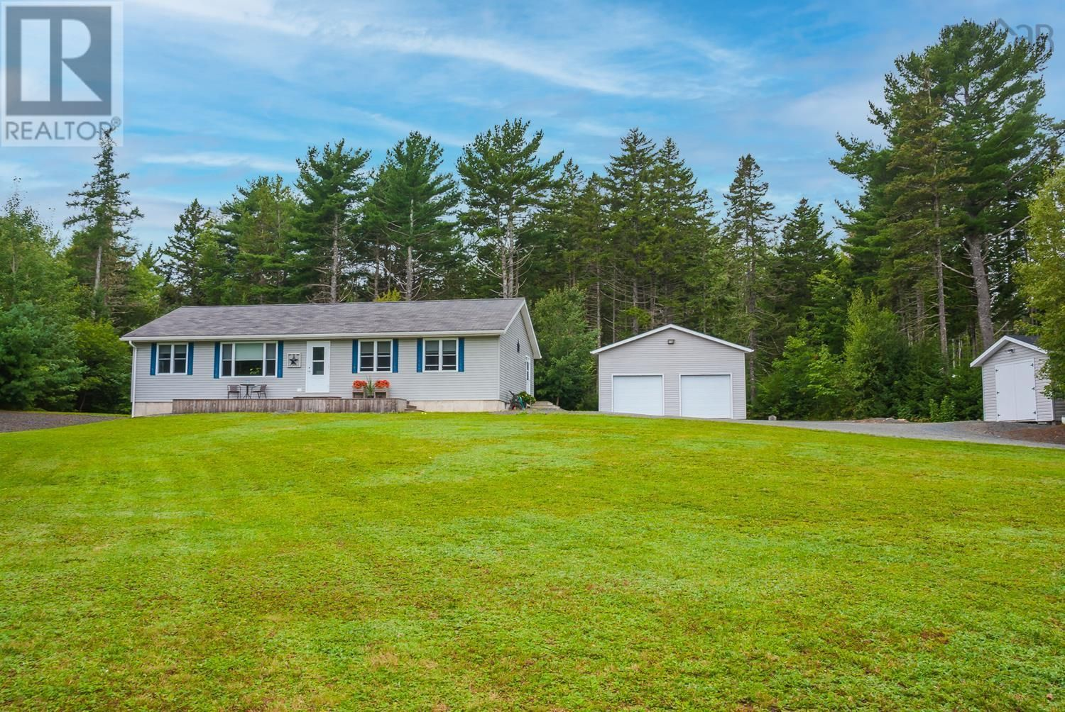 Main Photo: 11369 Highway 3 in Centre: House for sale : MLS®# 202123535