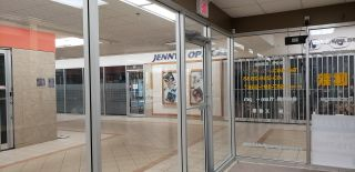 Photo 10: 1518 CENTER ST N.E in CALGARY: Commercial for sale or lease (Calgary)  : MLS®# C4247750