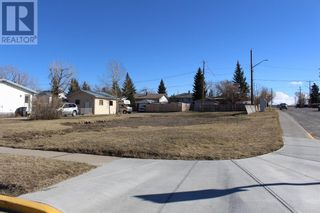 Photo 1: 686 Lacombe Street in Pincher Creek: Vacant Land for sale : MLS®# A1059983