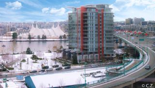 "Photo 2: 1028 68 SMITHE Street in Vancouver: Yaletown Condo for sale in ""ONE PACIFIC"" (Vancouver West)  : MLS®# R2137913"