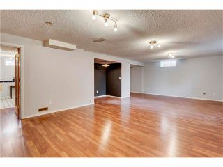 Photo 32: 6120 84 Street NW in Calgary: Silver Springs House for sale : MLS®# C4049555