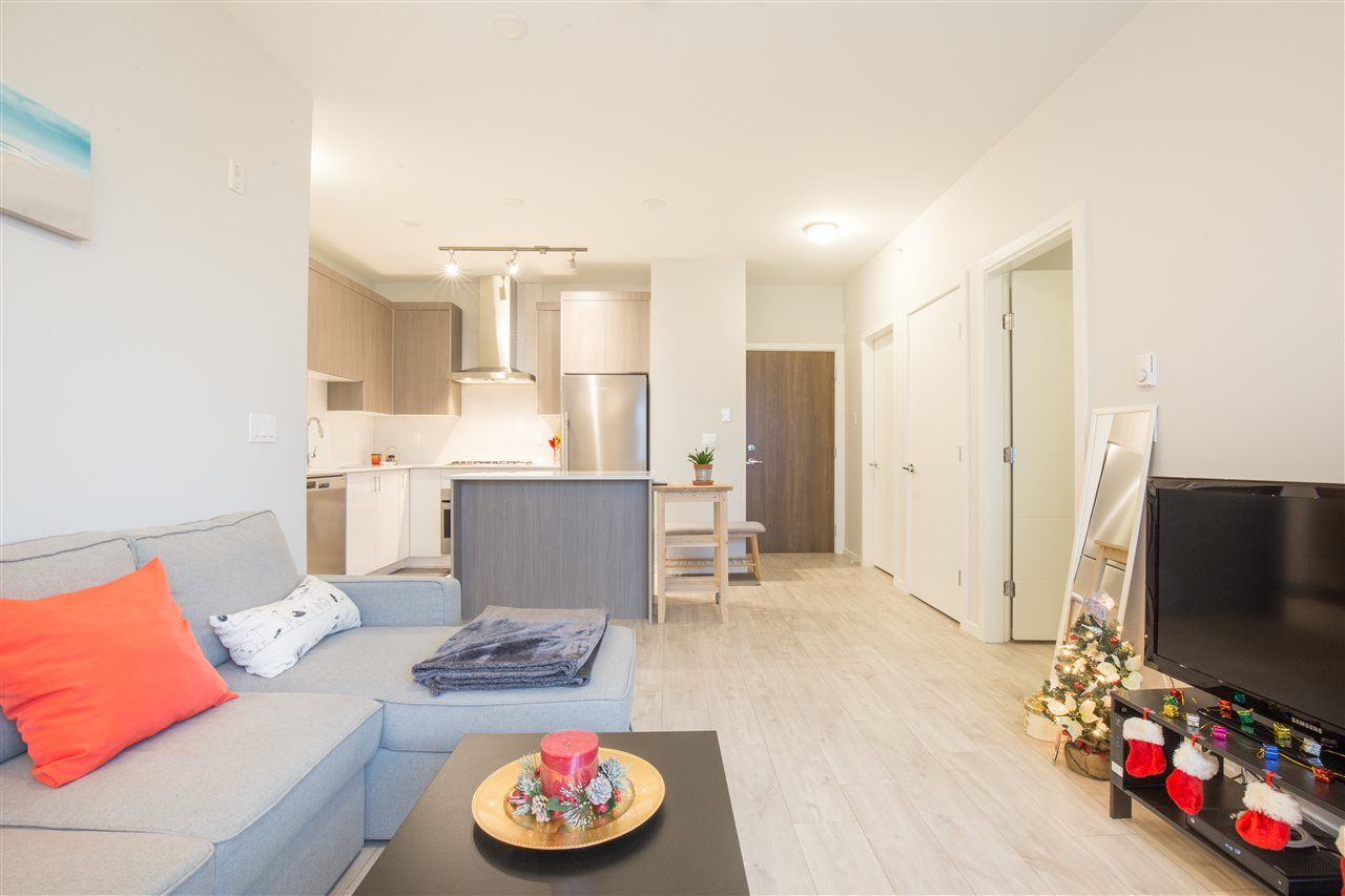 """Photo 7: Photos: PH30 6283 KINGSWAY in Burnaby: Highgate Condo for sale in """"PIXEL"""" (Burnaby South)  : MLS®# R2424302"""
