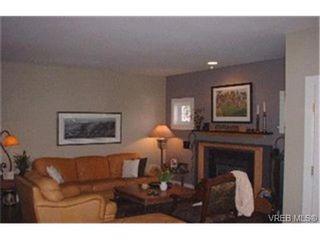 Photo 3: 2048 Meadow Pl in VICTORIA: OB North Oak Bay House for sale (Oak Bay)  : MLS®# 357929
