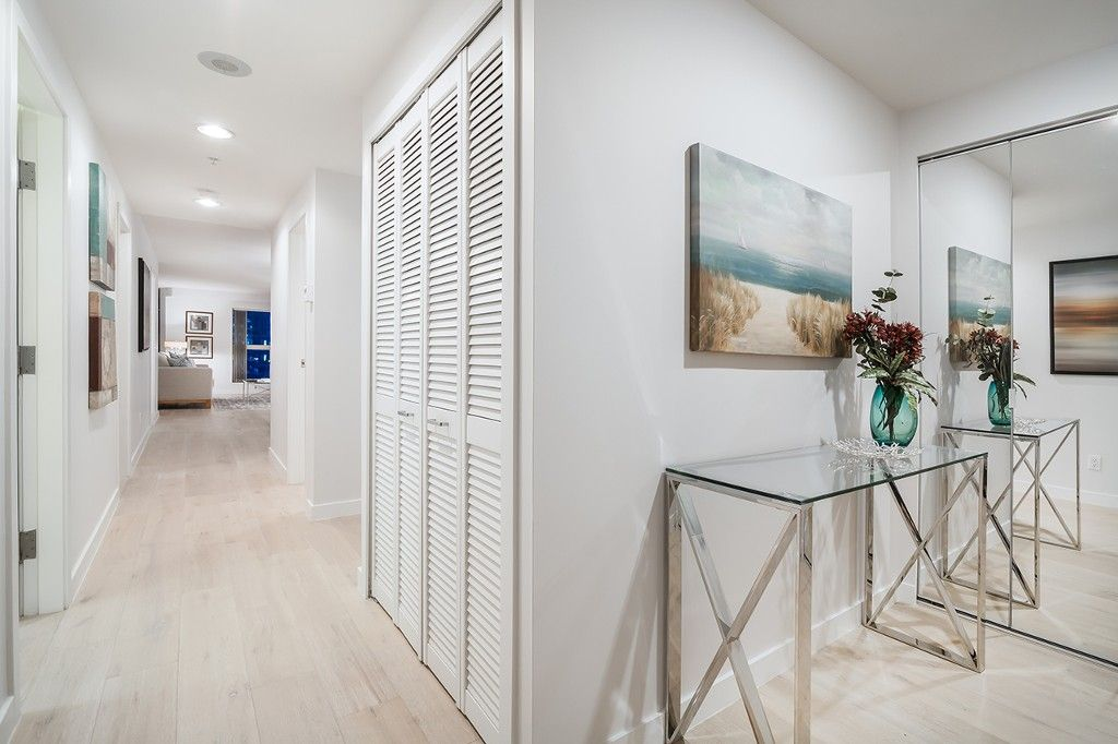 """Photo 4: Photos: 1901 837 W HASTINGS Street in Vancouver: Downtown VW Condo for sale in """"TERMINAL CITY CLUB"""" (Vancouver West)  : MLS®# R2134243"""