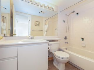"""Photo 12: 1802 5189 GASTON Street in Vancouver: Collingwood VE Condo for sale in """"THE MACGREGOR"""" (Vancouver East)  : MLS®# R2369458"""