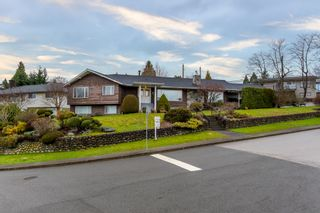 Photo 1: 4391 MAHON AVENUE in Burnaby: Deer Lake Place House for sale (Burnaby South)  : MLS®# R2429871