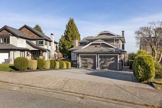Photo 2: 469 CARIBOO Crescent in Coquitlam: Coquitlam East House for sale : MLS®# R2555467