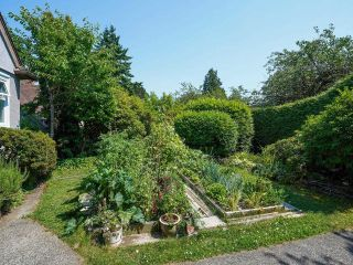 Photo 2: 2475 W 33RD Avenue in Vancouver: Quilchena House for sale (Vancouver West)  : MLS®# R2616210