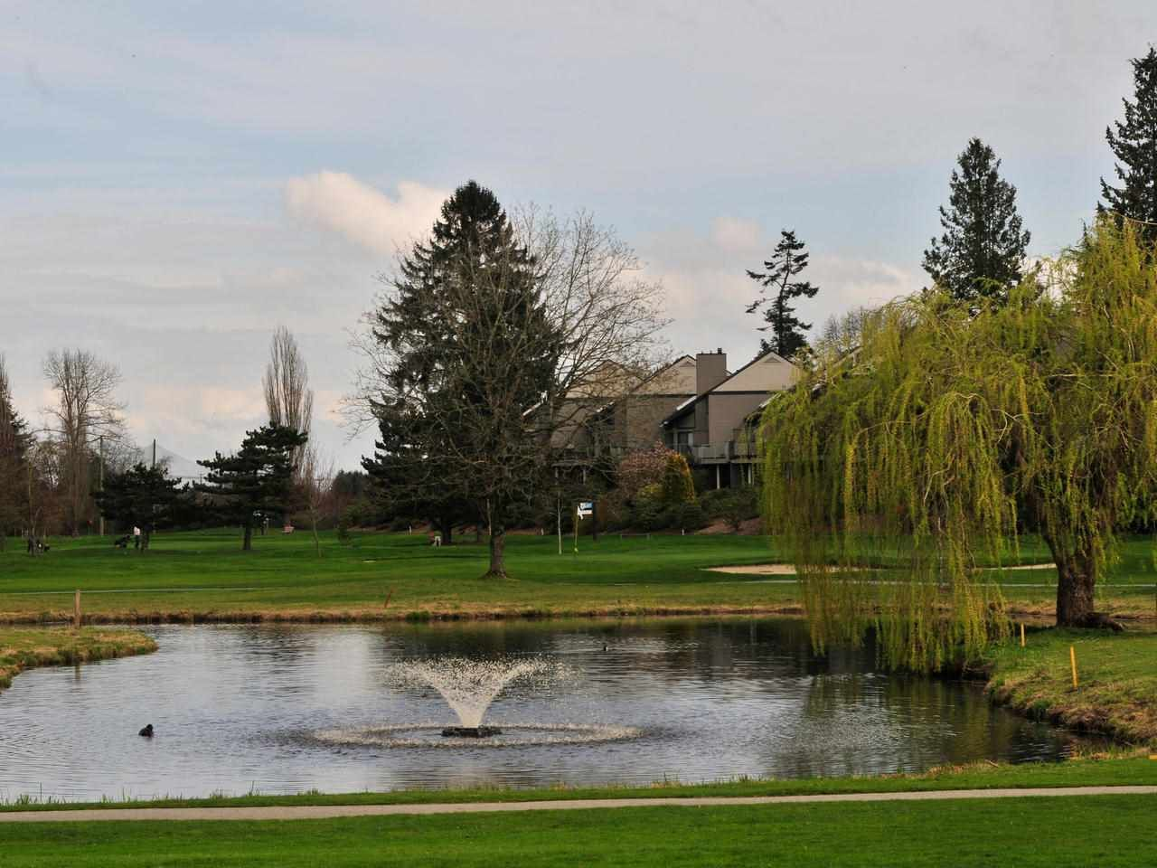 Nico Wynd - A unique strata complex on 76acres - OWN LAND!  9hole public golf course with 2 unlimited golf membership incl) indoor pool, hot tub , sauna, gym, tennis, pickleball & a private marina.  Walking/biking trails, pet friendly & no age restriction