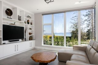 Photo 33: 4044 Hollydene Pl in : SE Arbutus House for sale (Saanich East)  : MLS®# 873482