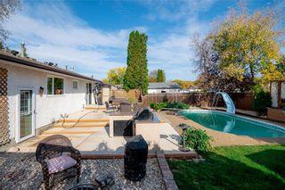 Photo 3: 91 Bright Oaks Bay in Winnipeg: Bright Oaks Residential for sale (2C)  : MLS®# 202123881