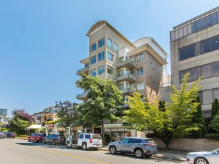 Photo 2: 403 137 W 17 Street in North Vancouver: Central Lonsdale Condo for sale : MLS®# R2616728
