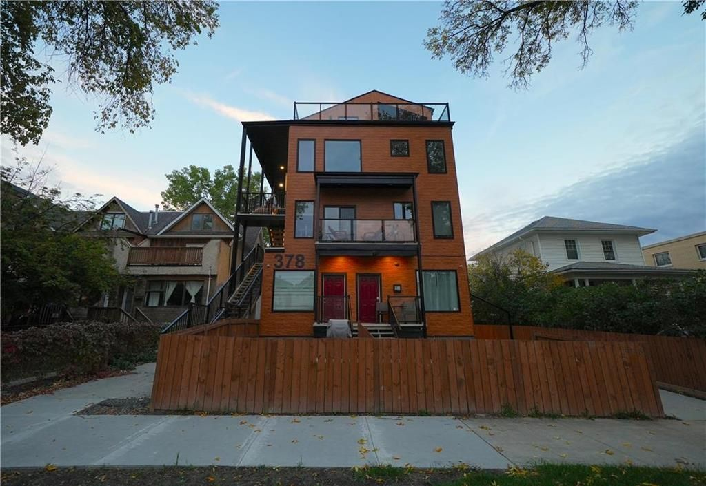 Main Photo: 8 378 Wardlaw Avenue in Winnipeg: Osborne Village Condominium for sale (1B)  : MLS®# 202123664
