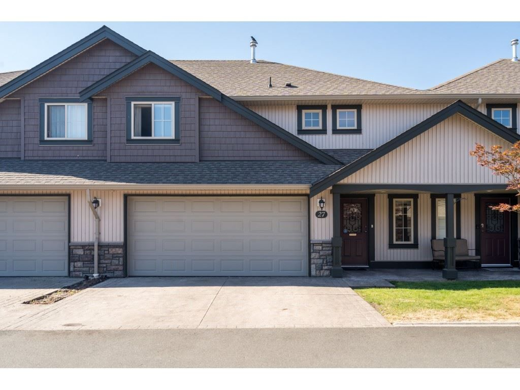 """Main Photo: 27 6450 BLACKWOOD Lane in Chilliwack: Sardis West Vedder Rd Townhouse for sale in """"The Maples"""" (Sardis)  : MLS®# R2480574"""