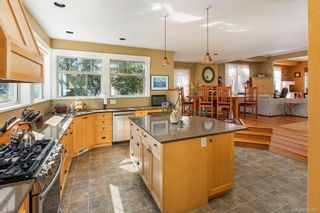 Photo 13: 19 South Turner St in Victoria: Vi James Bay House for sale : MLS®# 840297