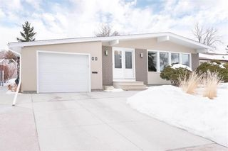 Main Photo: 11 Clarendon Road in Winnipeg: Niakwa Place Residential for sale (2H)  : MLS®# 202104146