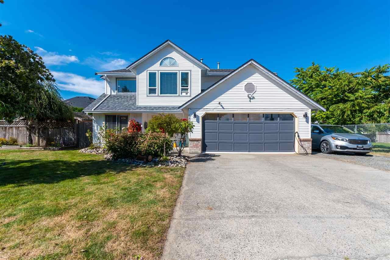 Main Photo: 34139 KING Road in Abbotsford: Poplar House for sale : MLS®# R2489865