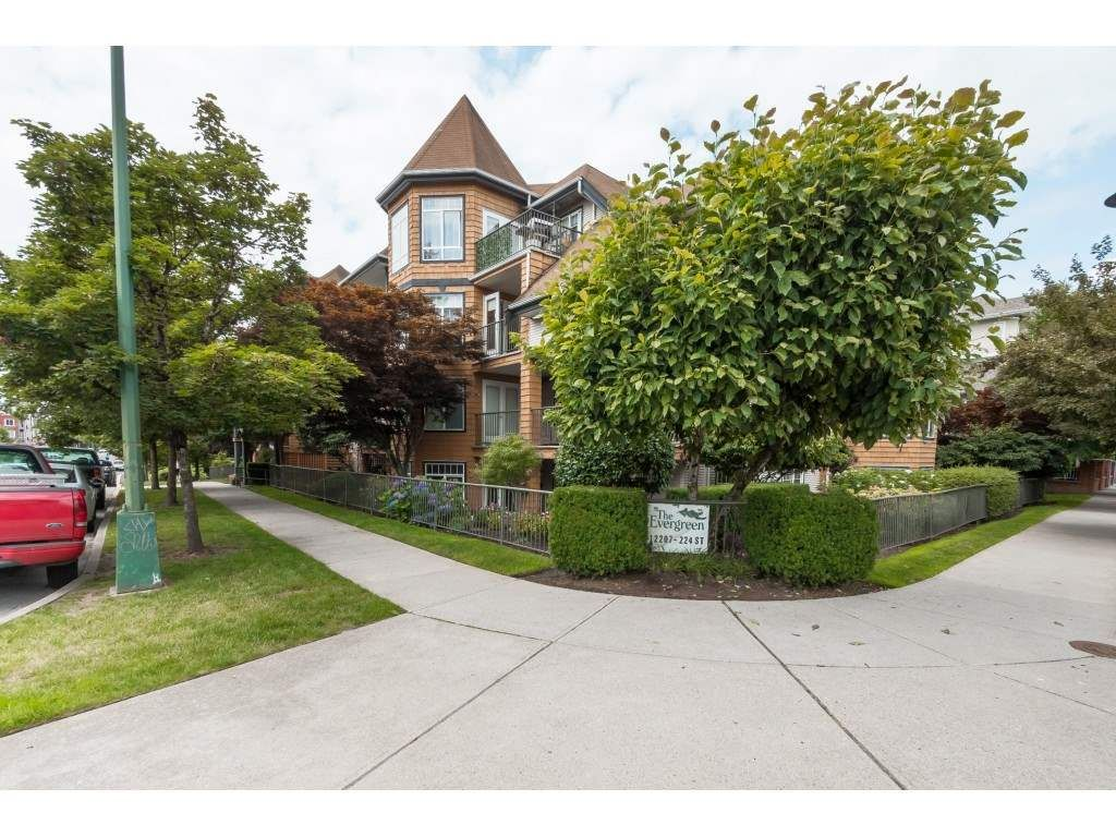 """Main Photo: 205 12207 224 Street in Maple Ridge: West Central Condo for sale in """"Evergreen"""" : MLS®# R2388902"""