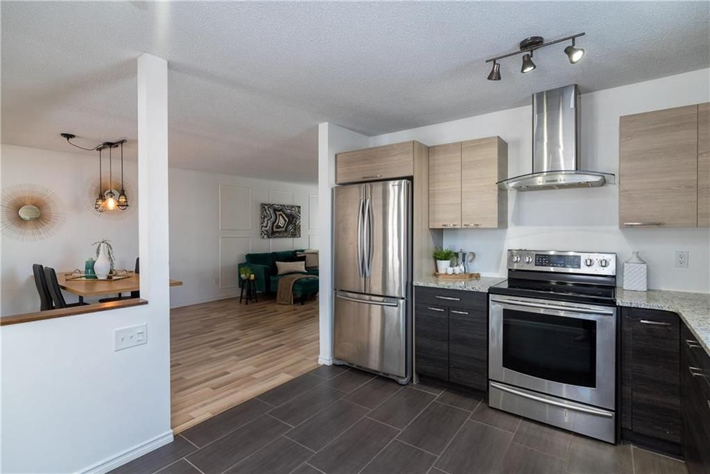 Photo 10: Photos: 178 Willowbend Crescent in Winnipeg: River Park South Residential for sale (2F)  : MLS®# 202103532