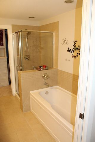 "Photo 14: 109 16477 64 Avenue in Surrey: Cloverdale BC Condo for sale in ""St. Andrews"" (Cloverdale)  : MLS®# R2526861"